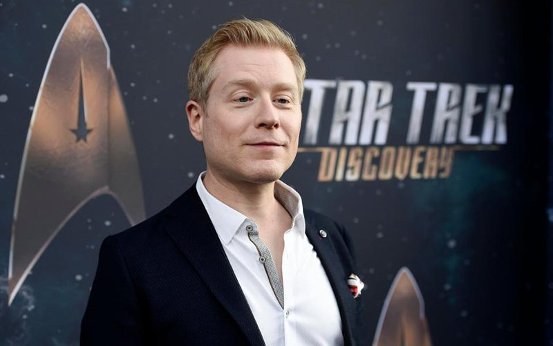 Anthony Rapp bombarded with hateful messages from House of Cards fans