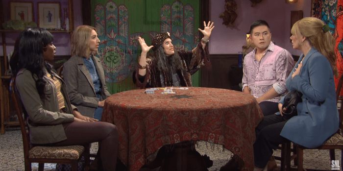 SNL's Kate McKinnon Warns of the Horrors of 2020 as Psychic from Last Year: WATCH